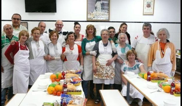 Iker casillas comedor social san sim n de rojas - Comedor social de triana ...